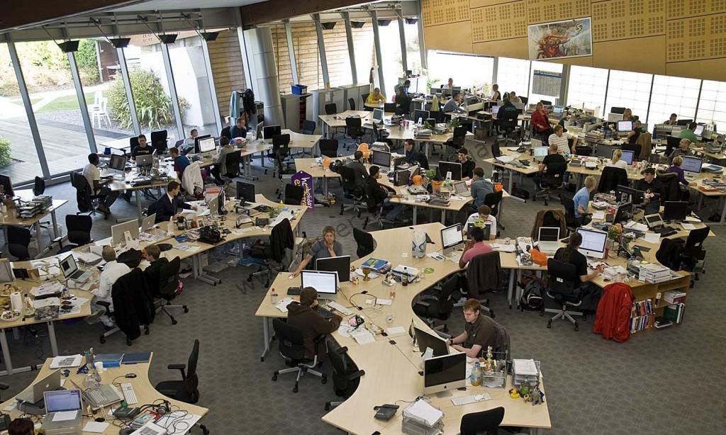 офис без стеклянных перегородок