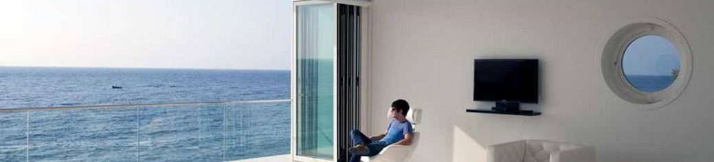 Стеклянные раздвижные двери