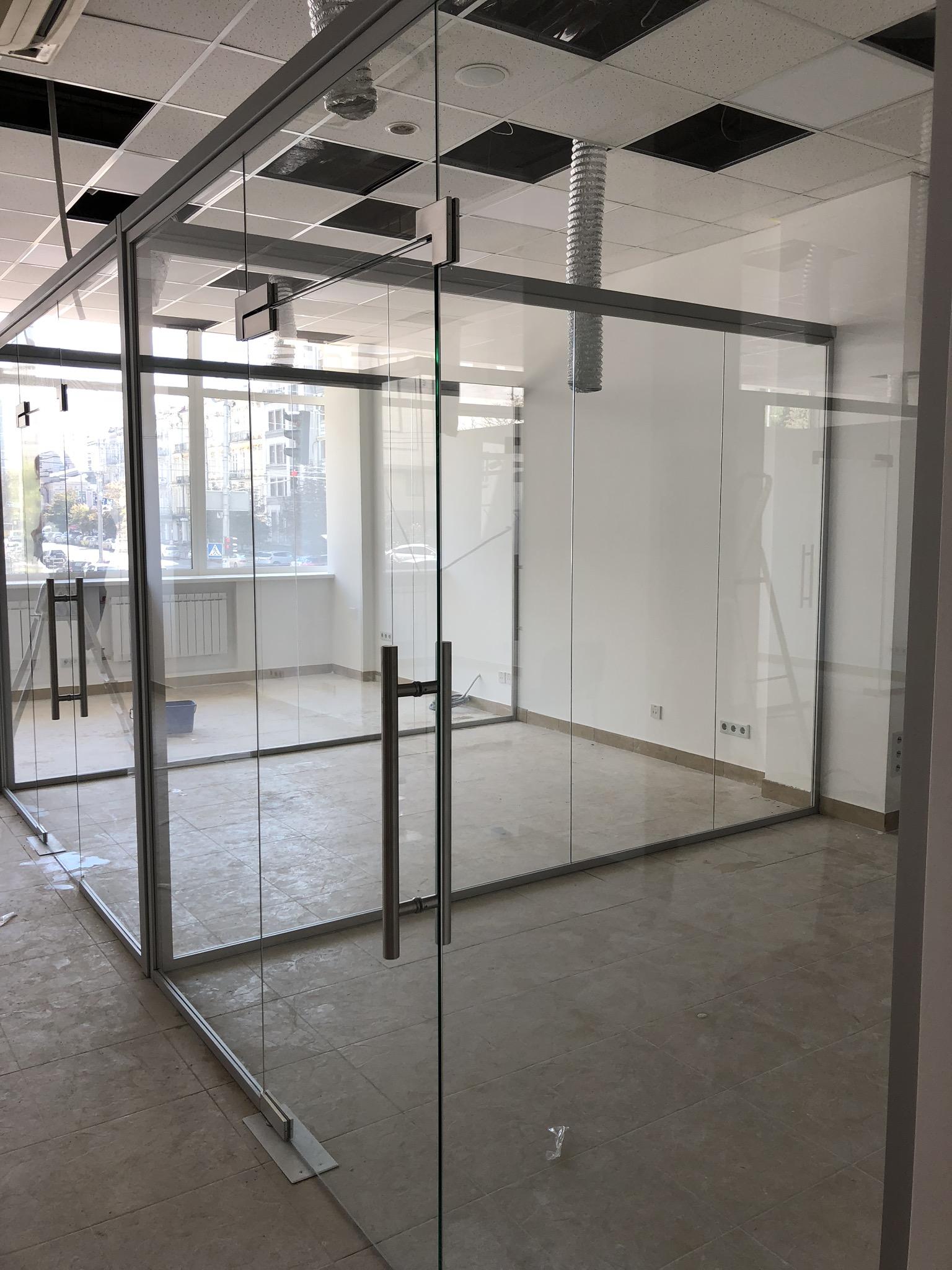 Проектирование изготовление и монтаж стеклянных перегородок